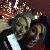 2 girls on the Brooklyn Bridge