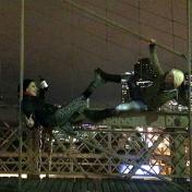 photo on the brooklyn bridge