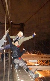 two girls on the brooklyn bridge
